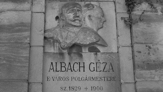Albach Géza síremléke a kolozsvári Házsongárd temetőben.