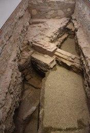 A Kisebbik Szűz Mária templom homlokzata, 15 sz.